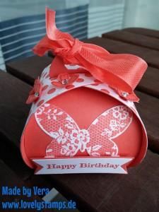 Curvy_Keepsake_Box_Birthday