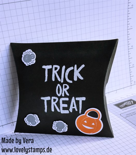 Pillowbox_black_Halloween_2